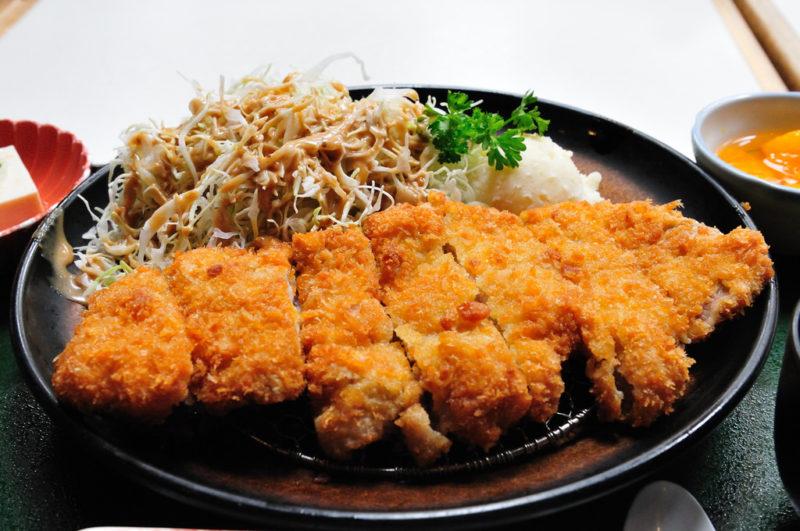 korean_donkatsu_with_salad