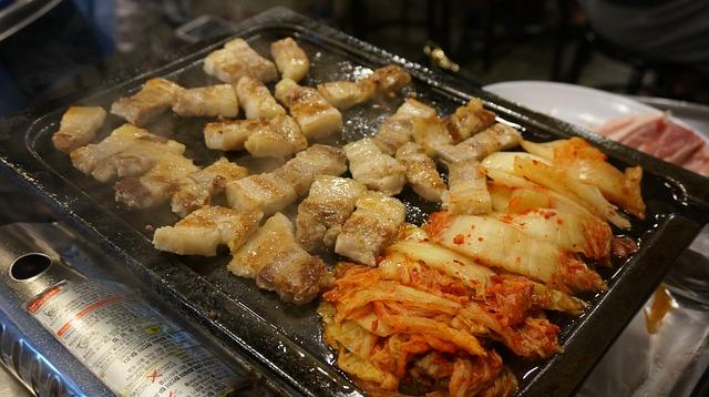 samhyupsal and kimchi